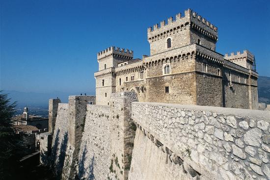 castle-of-celano-l-aquila-1392-abruzzo-italy