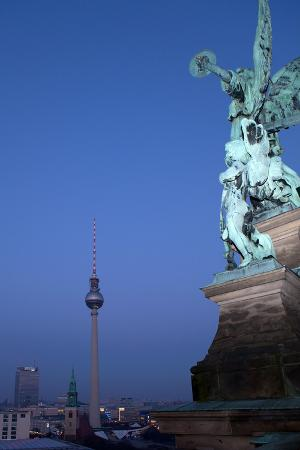 catharina-lux-berlin-cathedral-distant-view-television-tower-evening