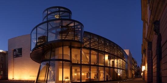 catharina-lux-berlin-zeughaus-deutsches-historisches-museum-pei-building-panorama-evening