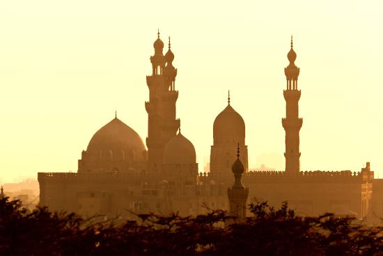 catharina-lux-egypt-cairo-mosque-madrassa-of-sultan-hassan-in-backlight