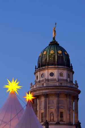 catharina-lux-germany-berlin-gendarmenmarkt-german-church-dome-dusk-evening