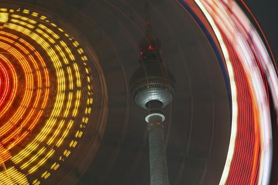 catharina-lux-germany-berlin-television-tower-ferris-wheel-night