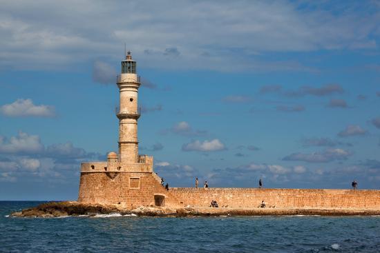 catharina-lux-greece-crete-chania-venetian-harbour-lighthouse
