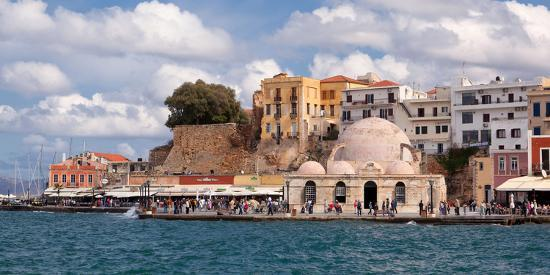 catharina-lux-greece-crete-chania-venetian-harbour-mosque