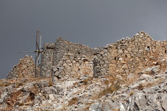 catharina-lux-greece-crete-pass-of-ambelos-windmills