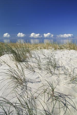 catharina-lux-lithuania-curonian-spit-the-baltic-sea-with-clouds