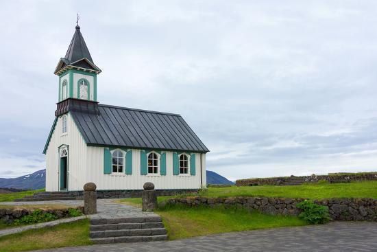 catharina-lux-pingvellir-national-park-church