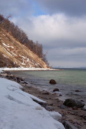 catharina-lux-the-baltic-sea-r-gen-granitz-beach-in-winter