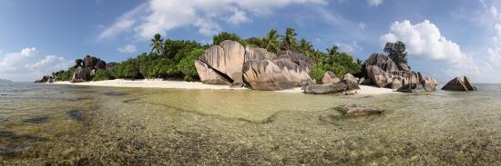 catharina-lux-the-seychelles-la-digue-beach-rocks-anse-source-d-argent-panorama