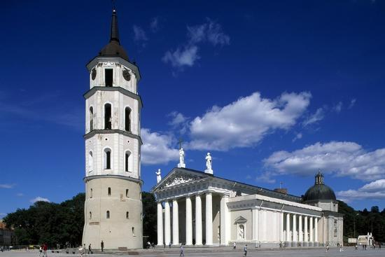 cathedral-of-st-stanislaus-and-ladislao-and-bell-tower