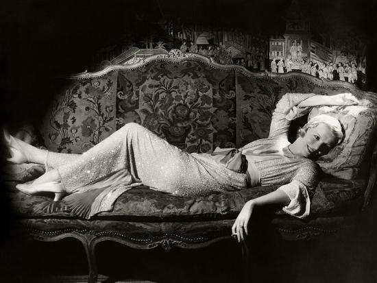 cecil-beaton-vanity-fair-april-1931
