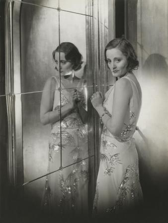 cecil-beaton-vanity-fair-november-1931-tallulah-bankhead-in-reflection