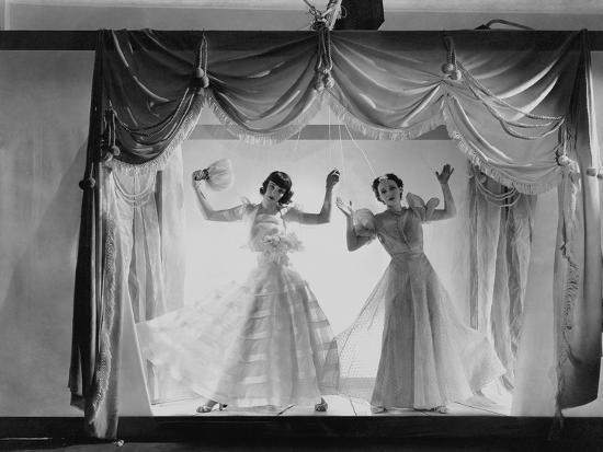cecil-beaton-vogue-june-1936