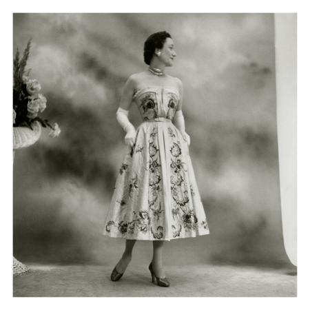 cecil-beaton-vogue-march-1951