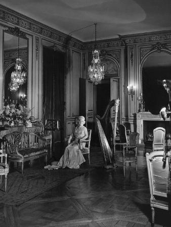 cecil-beaton-vogue-november-1941-grace-wilson-vanderbilt
