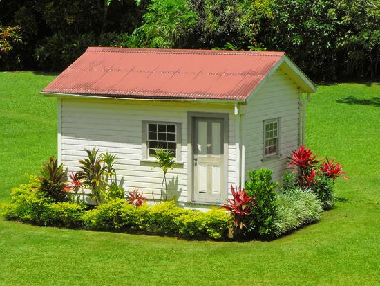 chalet-in-the-grounds-of-villa-vailima-apia-samoa