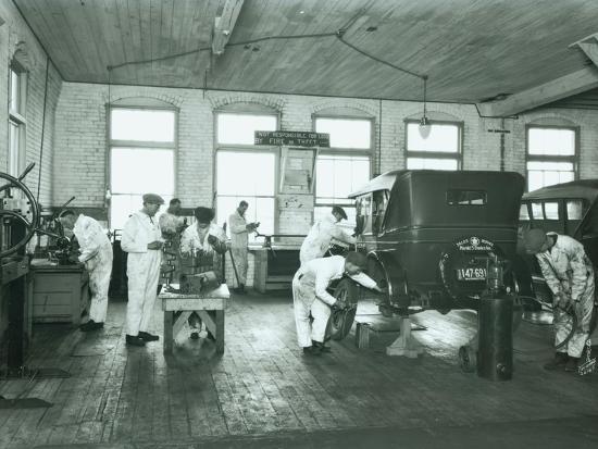 chapin-bowen-harold-s-davies-inc-service-department-circa-1930