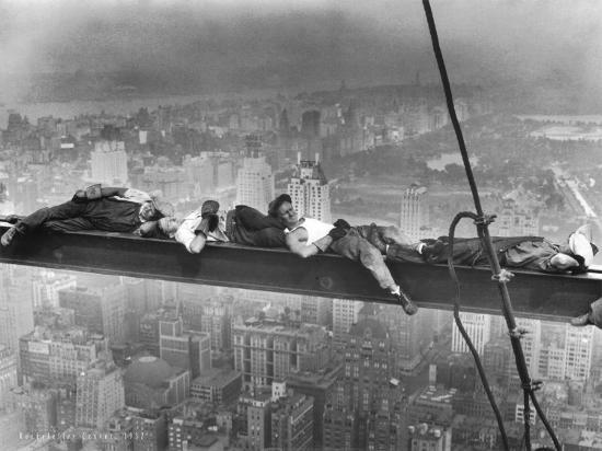 charles-c-ebbets-break-time-rockefeller-center-1932