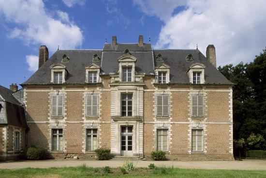 chateau-de-quevauvillers-facade-picardy-detail-france-17th-18th-century