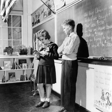 children-s-school-clothing-in-1943