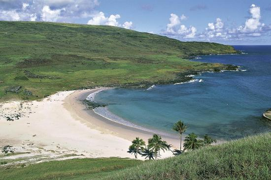 chile-easter-island-rapa-nui-national-park-beach-at-anakena-bay