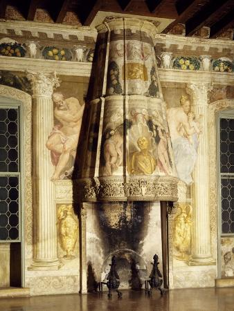 chimney-hood-with-three-lobed-with-painted-pictures-of-francis-corps-dressed-as-julius-caesar