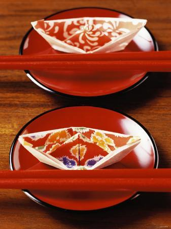 chinese-place-setting-with-chopsticks