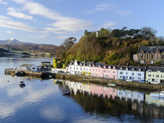 chris-hepburn-looking-down-at-the-harbour-of-portree-isle-of-skye-inner-hebrides-scotland