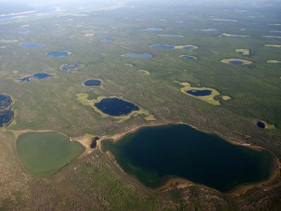 chris-linder-green-and-blue-lakes-dot-the-siberian-landscape-polaris-project-sakha-republic-siberia