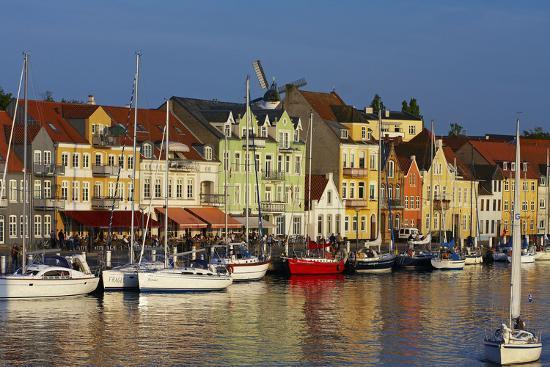 chris-seba-denmark-jutland-sonderborg-harbour-front-house-facades-boats