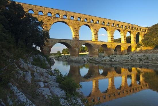 chris-seba-europe-south-of-france-provence-avignon-pont-du-gard-aqueduct