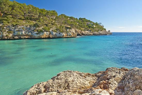 chris-seba-europe-spain-majorca-cliff-lined-bay-platja-d-or
