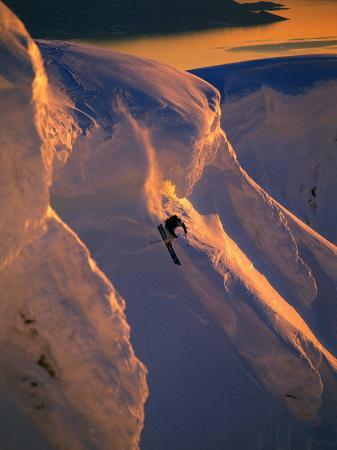 christian-aslund-skiing-in-the-midnight-sun-narvik-norway