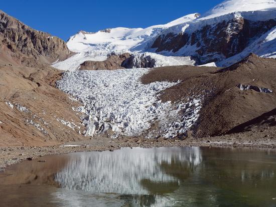 christian-kober-glacier-near-plaza-de-mulas-basecamp-aconcagua-provincial-park-andes-mountains-argentina