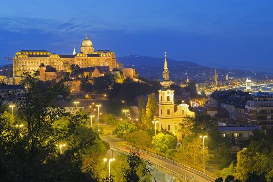 christian-kober-royal-palace-banks-of-the-danube-unesco-world-heritage-site-budapest-hungary-europe