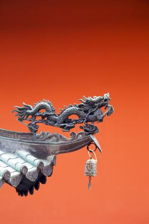 christian-kober-south-east-asia-singapore-thian-hock-keng-temple-detail-of-dragon-sculpture