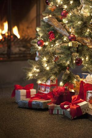 christmas-tree-by-fireplace