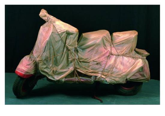christo-wrapped-vespa