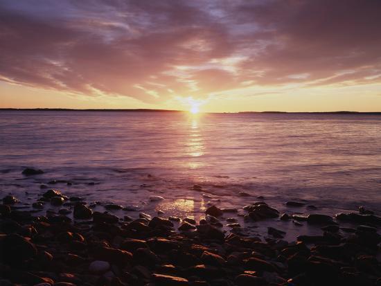 christopher-talbot-frank-maine-sunrise-over-the-rocky-shoreline-of-the-atlantic-ocean