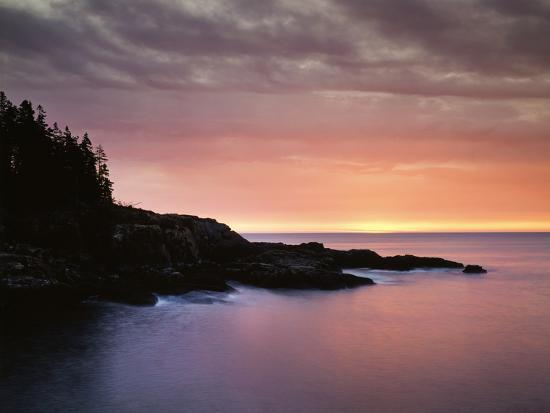 christopher-talbot-frank-usa-maine-acadia-national-park-sunrise-over-the-atlantic-ocean