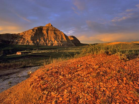 chuck-haney-badlands-in-the-little-missouri-national-grasslands-north-dakota-usa