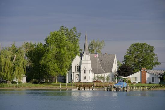 cindy-miller-hopkins-church-great-lakes-of-lake-huron-and-lake-erie-st-claire-river-michigan-usa