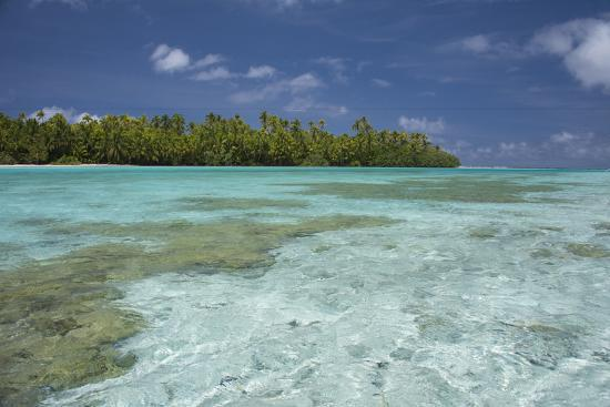 cindy-miller-hopkins-cook-islands-aitutaki-one-foot-island-shallow-lagoon-with-coral