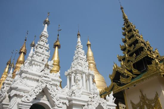 cindy-miller-hopkins-myanmar-yangon-shwedagon-pagoda-holiest-buddhist-shrine-in-myanmar