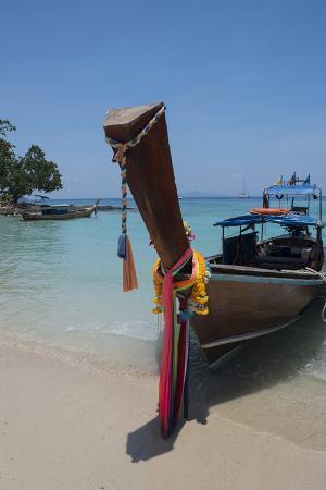 cindy-miller-hopkins-thailand-phuket-andaman-sea-phi-phi-islands-national-park-island-of-phi-phi-don