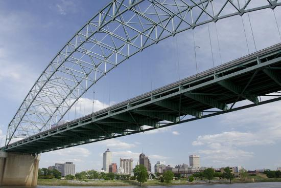 cindy-miller-hopkins-usa-tennessee-memphis-the-hernando-de-soto-bridge