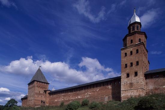 city-walls-of-novgorod-kremlin