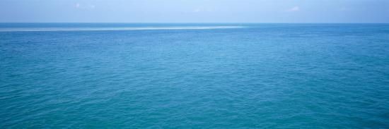 clear-blue-water-bahia-honda-key-florida-keys-florida-usa
