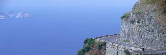 cliff-road-near-positano-italy