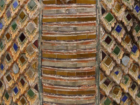 close-up-of-colorful-tiles-in-a-mosaic-pattern-on-a-wall
